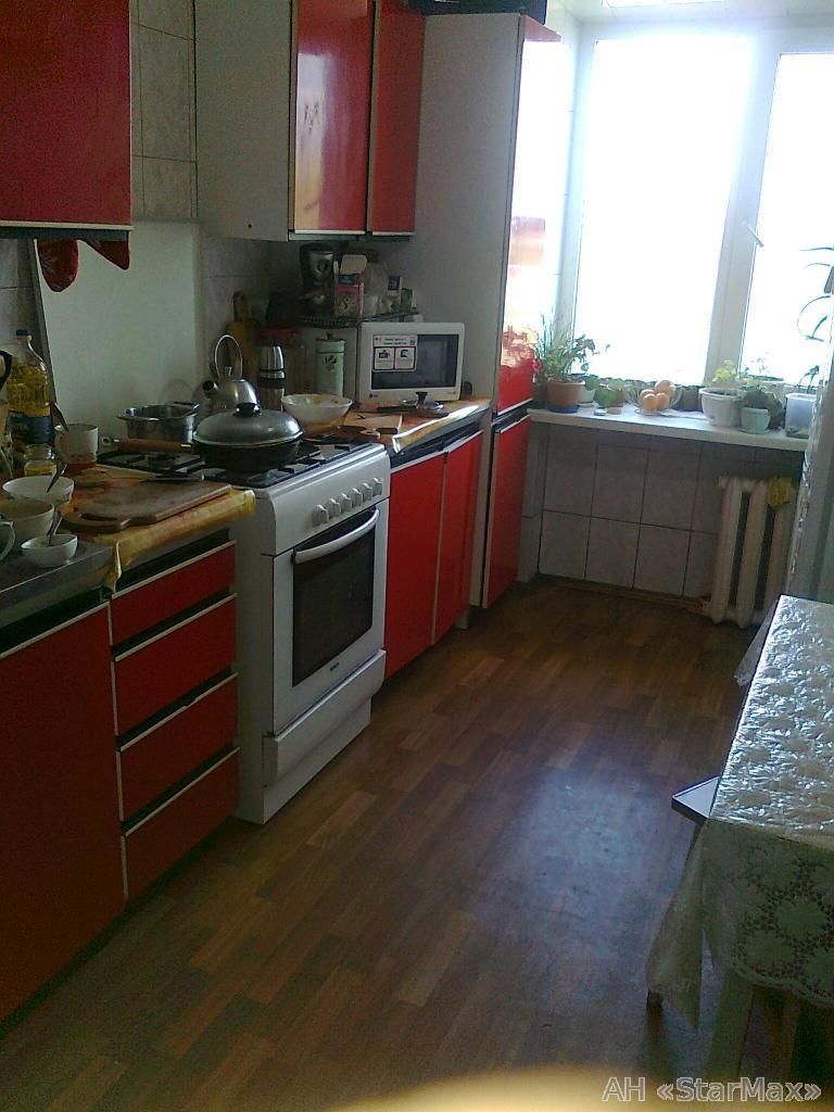 Фото - Продам квартиру Киев, Пономарева ул.