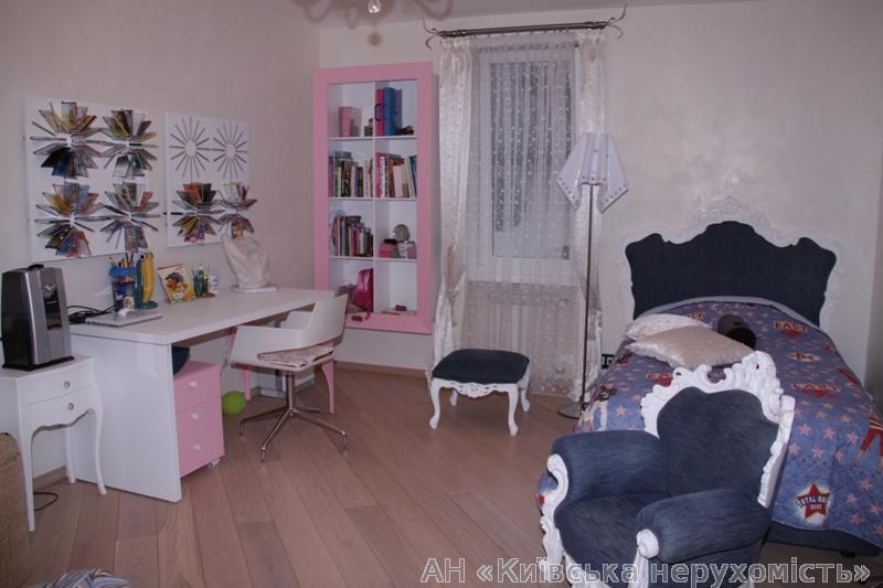 Продам дом Киев, Метрологическая ул. 5