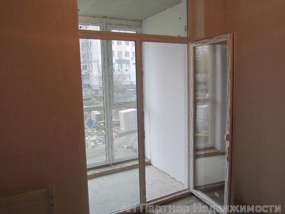 Продам квартиру Киев, Богдановская ул. 4