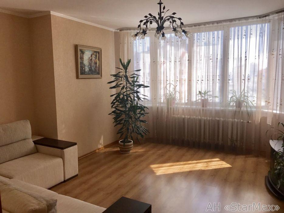 Продам квартиру Киев, Ахматовой Анны ул. 5
