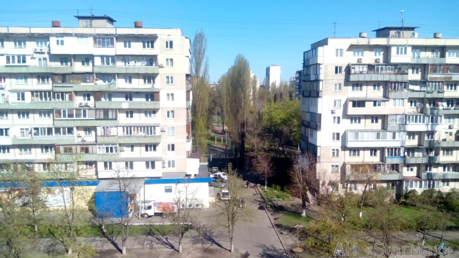 Продам квартиру Киев, Курчатова Академика ул. 3