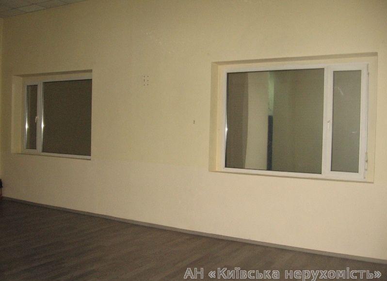 Продам офис в многоквартирном доме Киев, Дарницкий бул. 5
