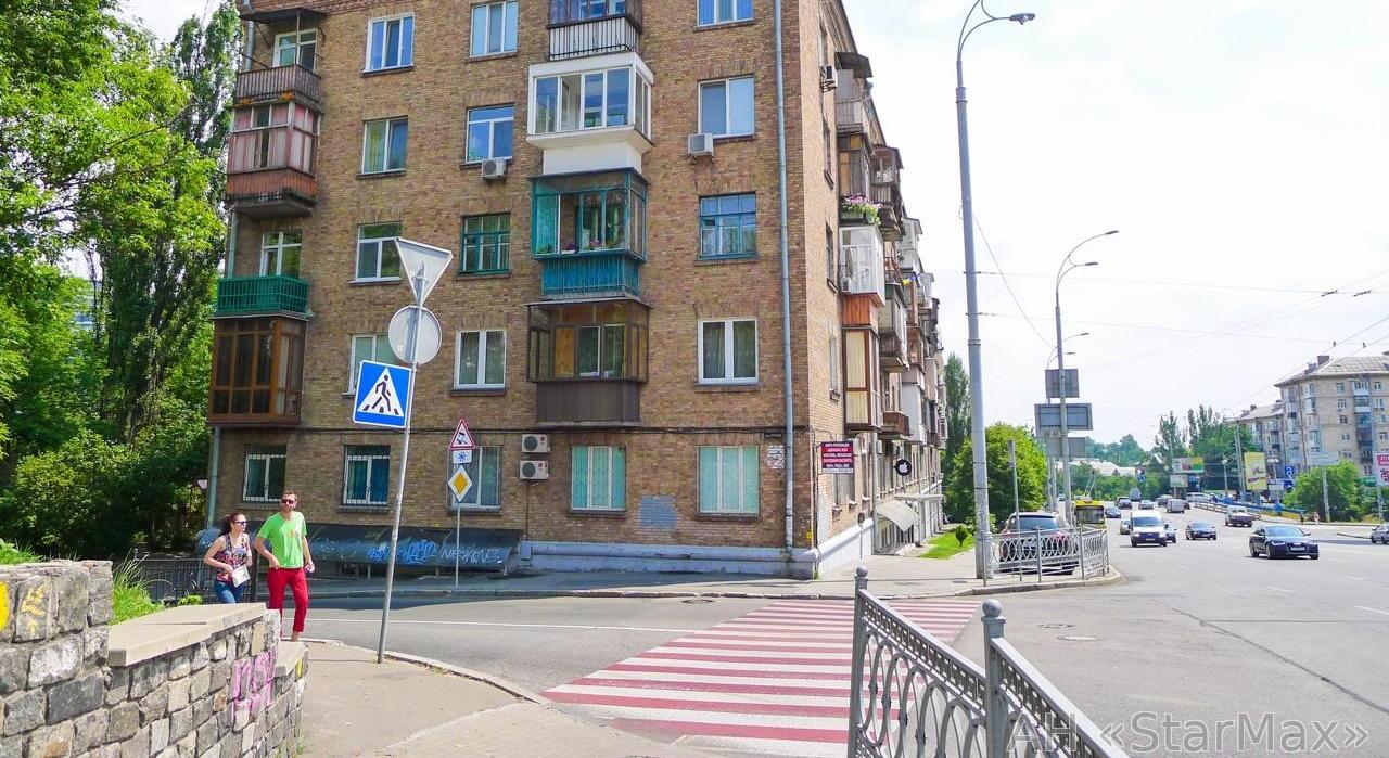 Продам квартиру Киев, Леси Украинки бул. 5