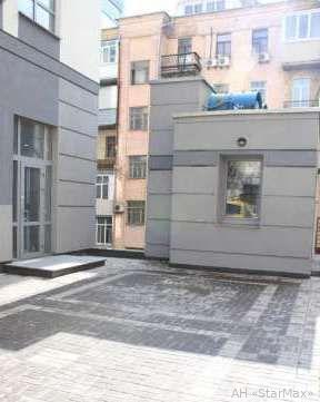 Продам офис в многоквартирном доме Киев, Саксаганского ул.