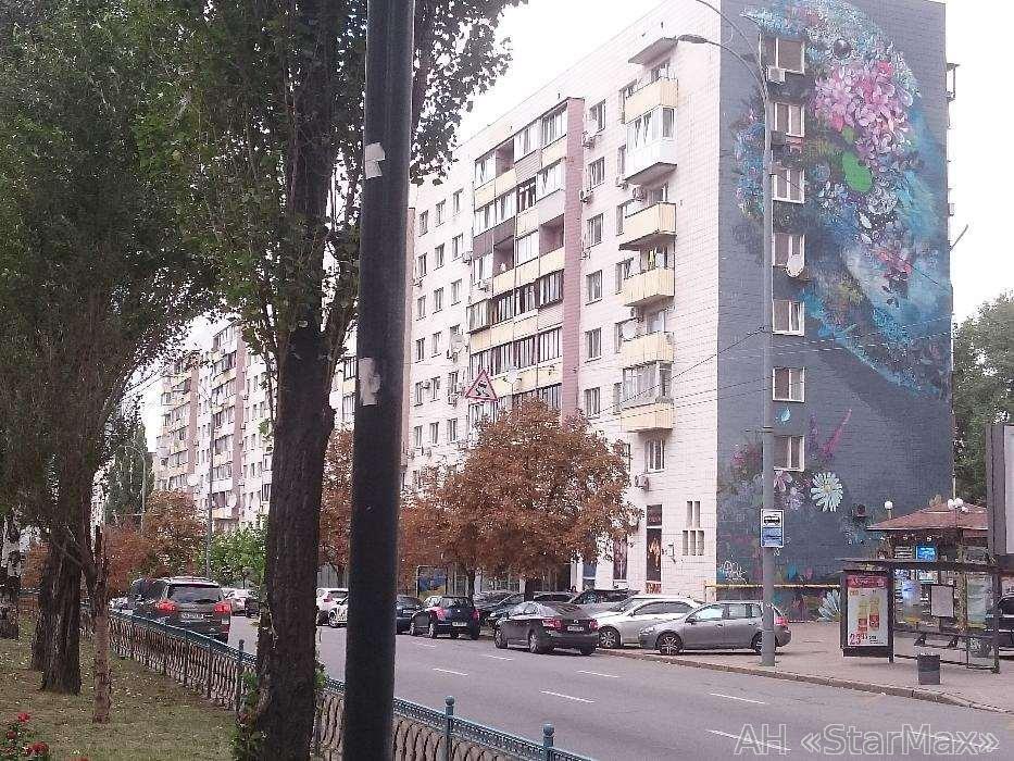 Продам квартиру Киев, Леси Украинки бул. 2