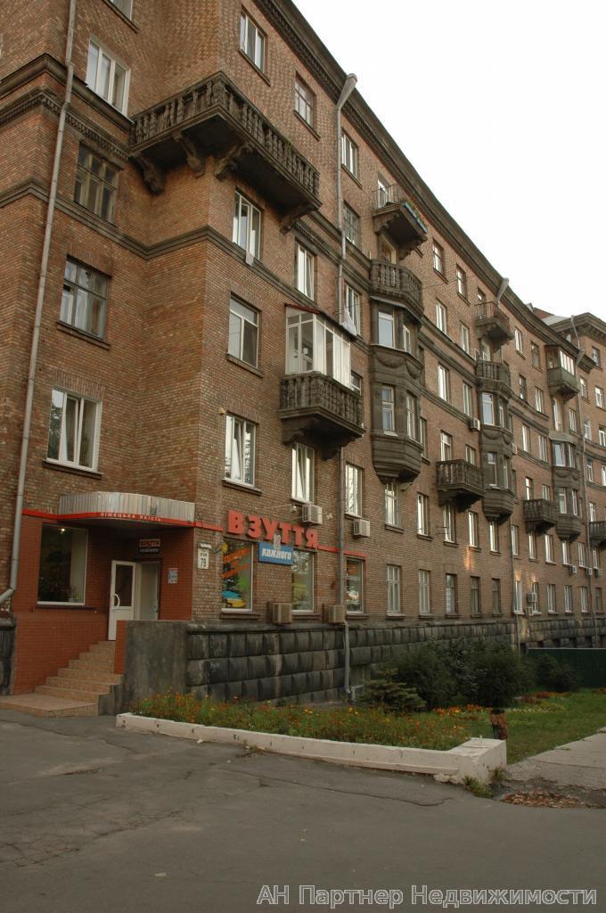 Фото 2 - Продам квартиру Киев, Сечевых Стрельцов ул.
