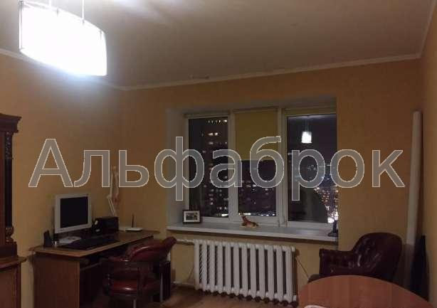 Продам квартиру Киев, Луначарского ул. 5