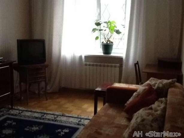 Продам квартиру Киев, Кутузова ул. 2
