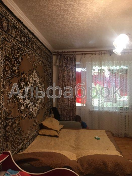 Продам квартиру Киев, Новомостицкая ул.
