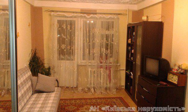 Фото - Продам квартиру Киев, Зодчих ул.