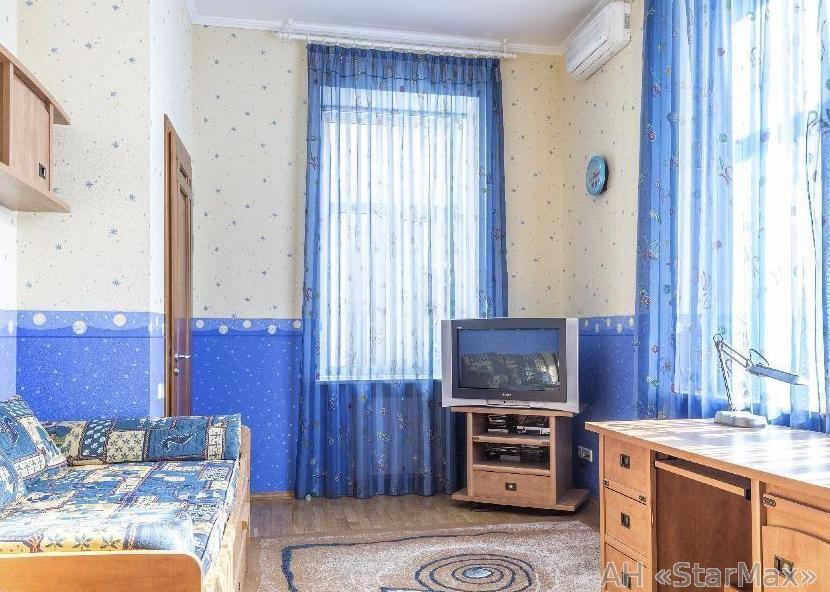 Продам квартиру Киев, Костельная ул. 4