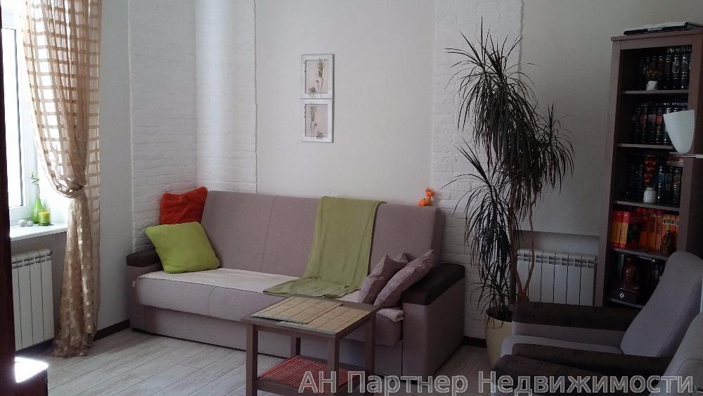 Продам квартиру Киев, Строителей ул. 3