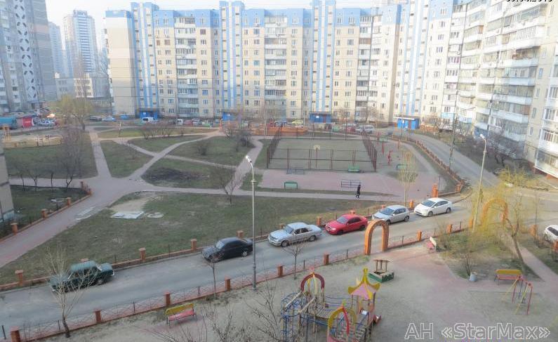 Продам квартиру Киев, Здолбуновская ул. 3