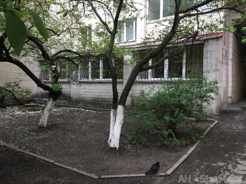 Продам квартиру Киев, Предславинская ул. 5