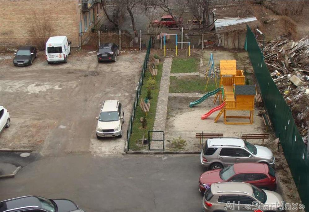 Продам квартиру Киев, Ямская ул. 4