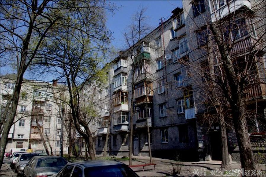 Продам квартиру Киев, Бажова ул. 3