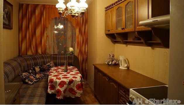 Продам квартиру Киев, Мельникова ул. 5