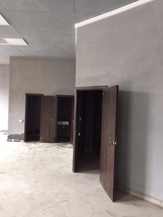Продам офисное помещение Киев, Светлая ул. 3