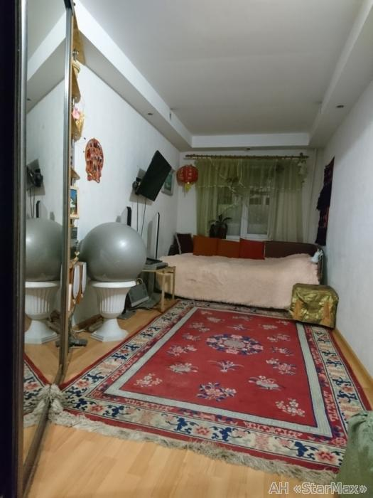 Продам квартиру Киев, Введенская ул. 3