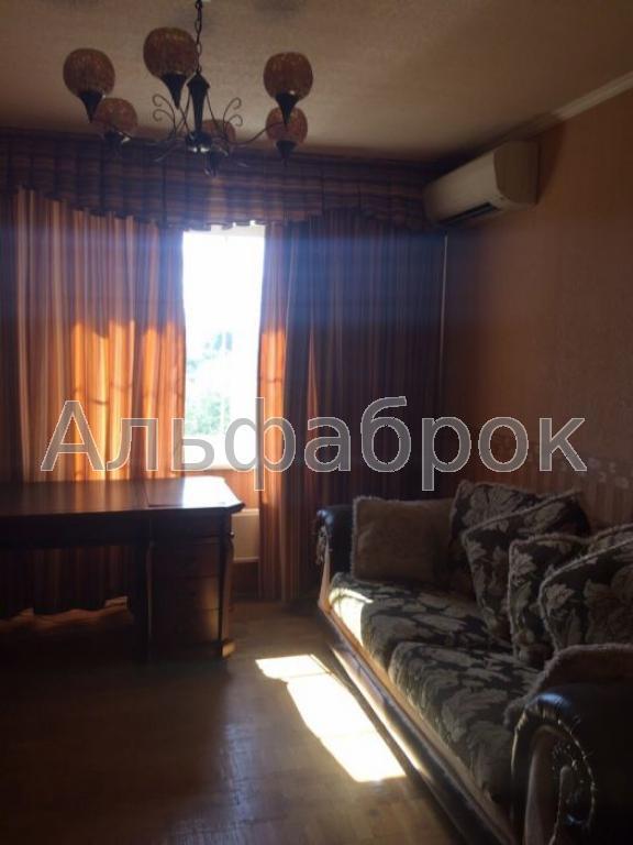 Продам квартиру Киев, Клавдиевская ул. 3