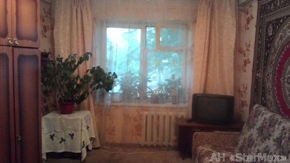 Продам квартиру Киев, Серафимовича ул.