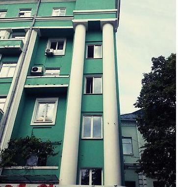 Продам квартиру Киев, Леонтовича ул. 2