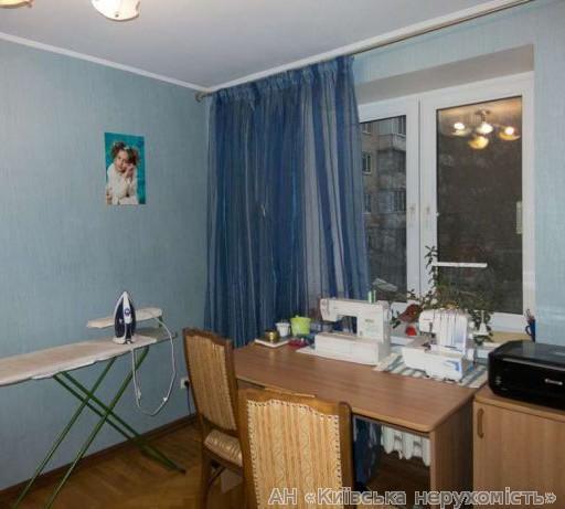 Продам квартиру Киев, Половецкая ул. 2
