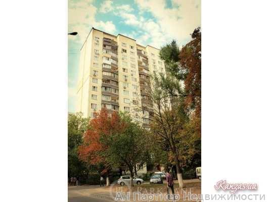 Продам квартиру Киев, Стадионная ул. 3
