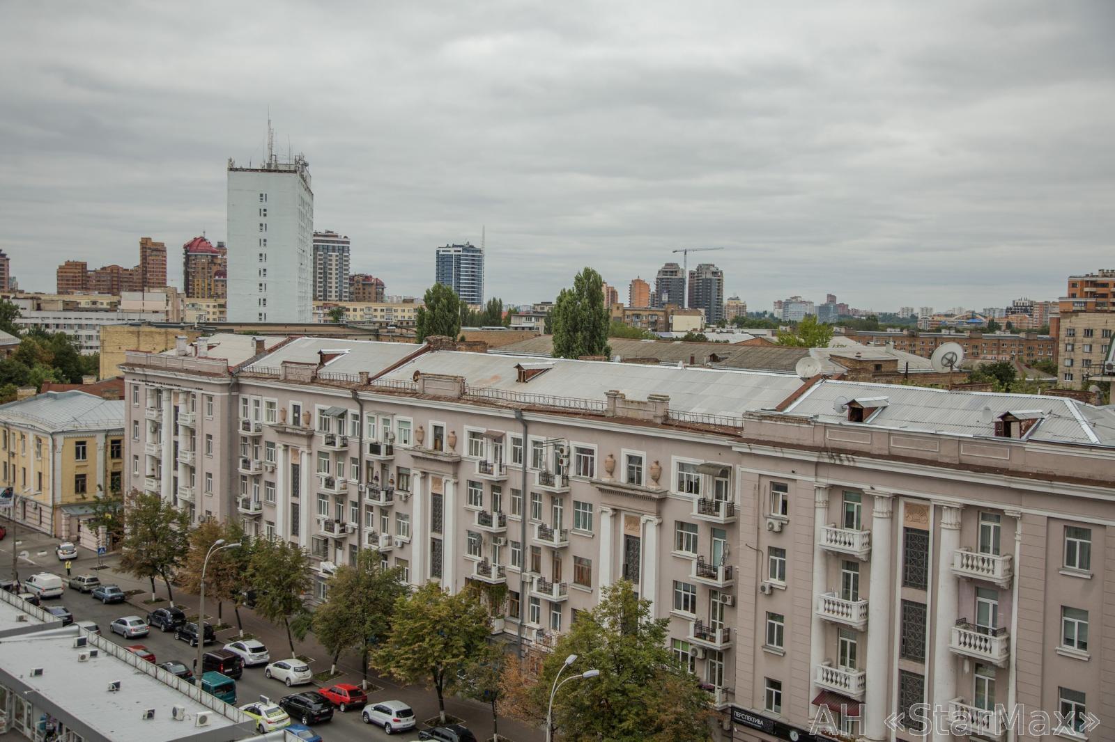 Продам апартаменты Киев, Панаса Мирного ул. 4