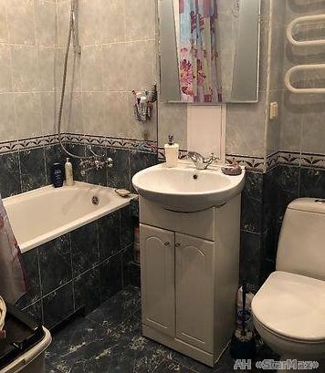 Продам квартиру Киев, Лесной пр-т 5