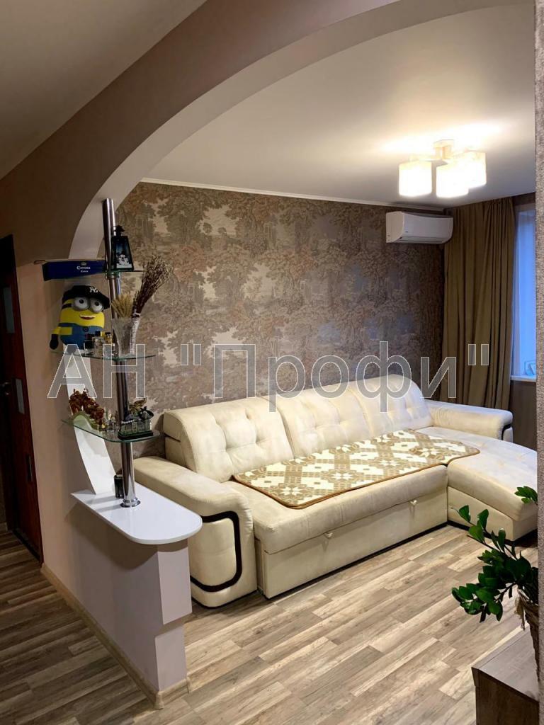 Продам 3-х комн. квартиру на Салтовке,Региональный центр услуг,533 м-н
