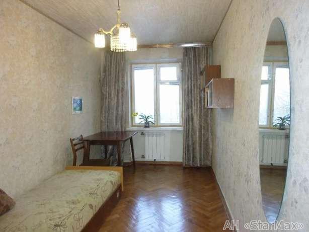 Продам квартиру Киев, Отрадный пр-т 3