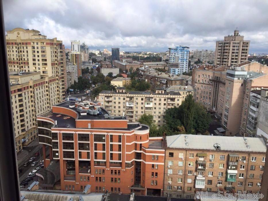 Продам квартиру Киев, Дмитриевская ул. 5