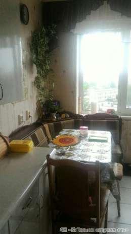 Продам квартиру Киев, Приречная ул. 4