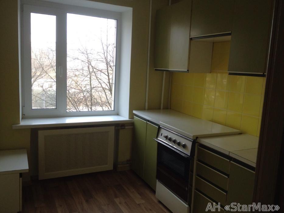 Продам квартиру Киев, Автозаводская ул. 4