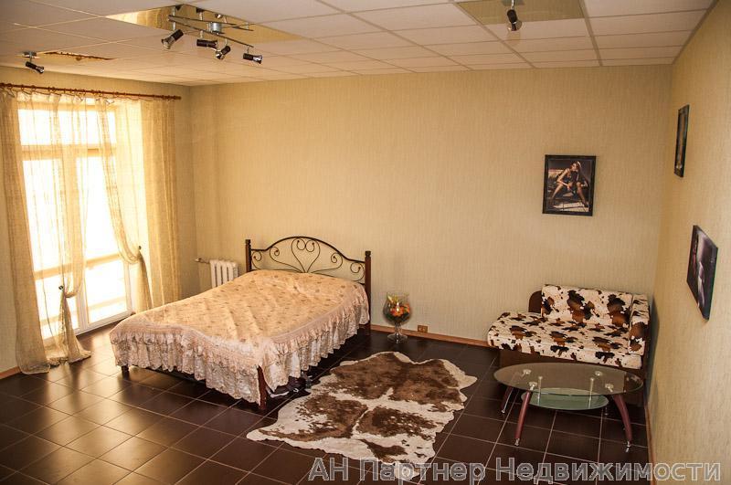 Продам квартиру Киев, Гончара Олеся ул. 2