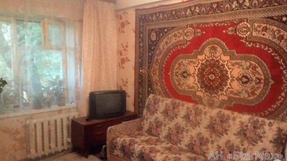 Продам квартиру Киев, Серафимовича ул. 2