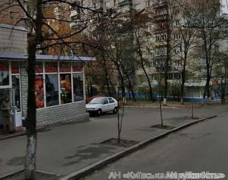 Продам квартиру Киев, Курская ул. 5