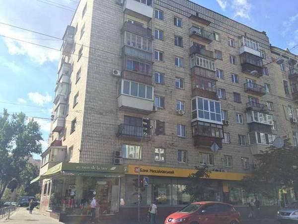 Продам офис в многоквартирном доме Киев, Сечевых Стрельцов ул.