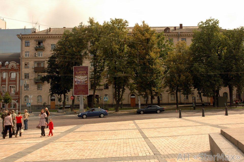 Продам офисное помещение Киев, Владимирская ул. 4