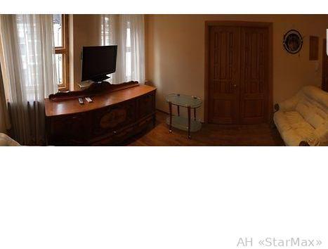 Продам квартиру Киев, Московская ул. 3