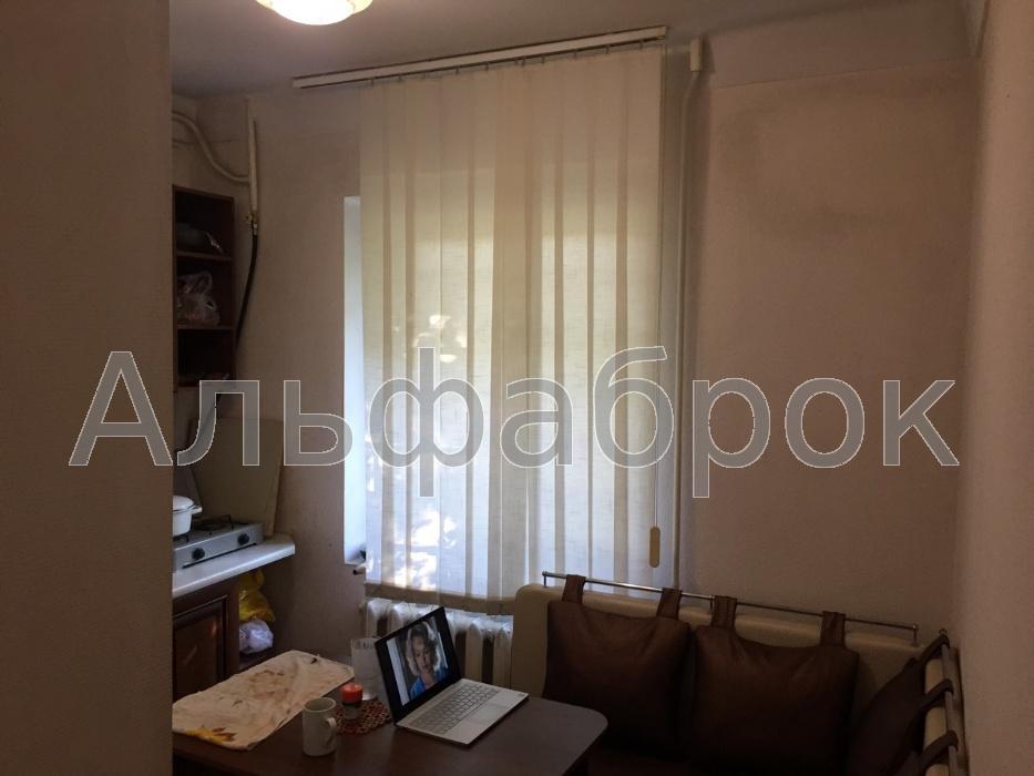 Продам квартиру Киев, Юры Гната ул.