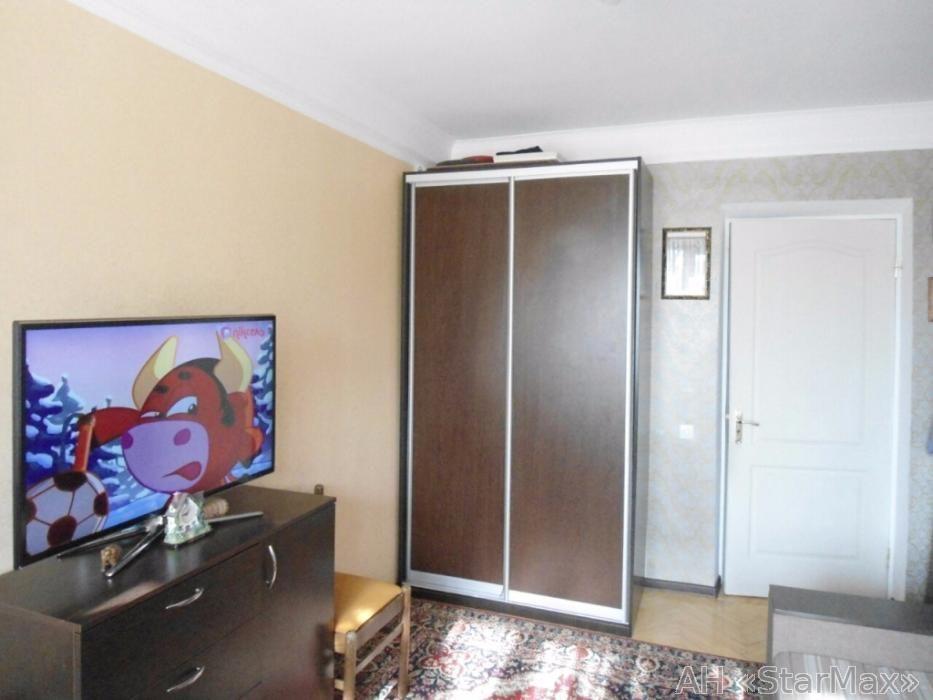 Продам квартиру Киев, Молодогвардейская ул. 4