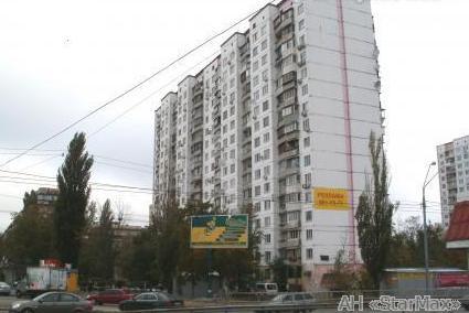 Продам квартиру Киев, Оболонская пл. 3