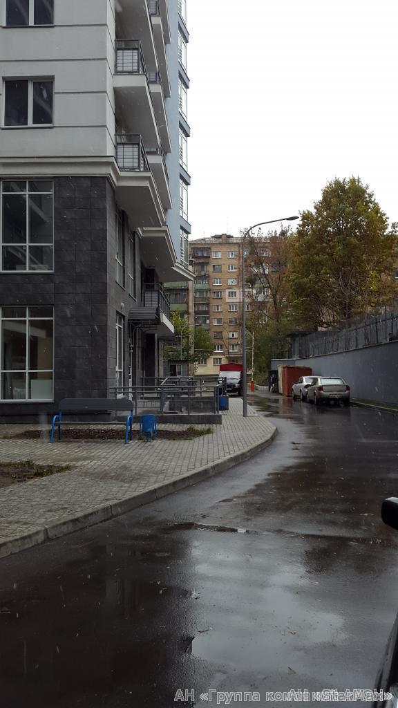 Продам квартиру Киев, Белорусская ул. 5