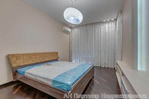 Фото 2 - Продам квартиру Киев, Драгомирова Михаила ул.
