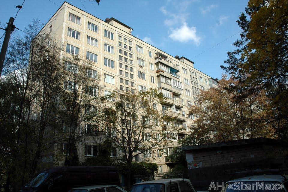 Продам квартиру Киев, Вышгородская ул. 4