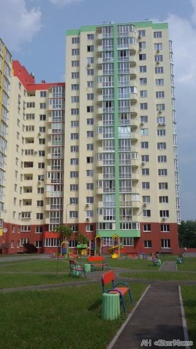 Фото - Продам квартиру Киев, Комбинатная ул.