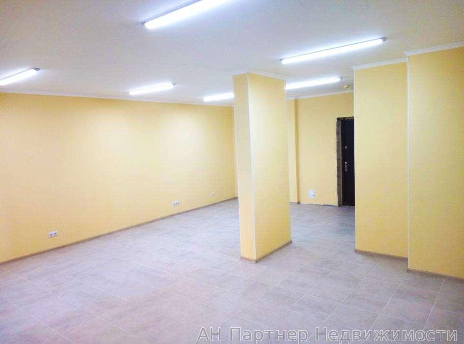Продам торговое помещение Киев, Елены Пчилки ул.