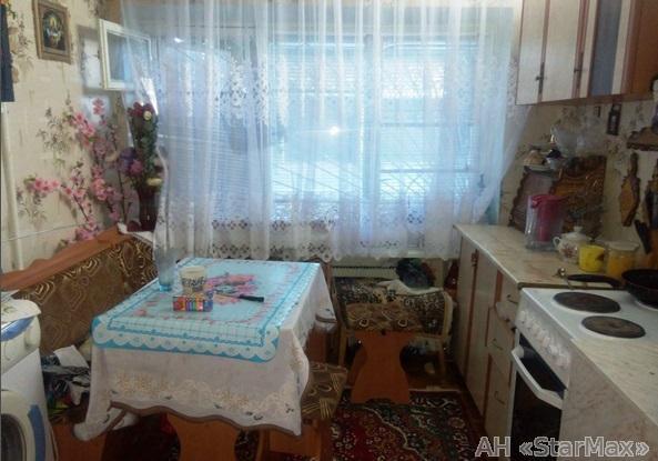 Продам квартиру Киев, Бусловская ул. 2